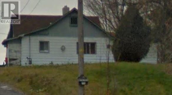 For Sale: 915 Howey , Sudbury, ON | 3 Bed, 1 Bath House for $229,900. See 3 photos!
