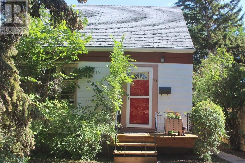House for sale at 915 King St Regina Saskatchewan - MLS: SK825893