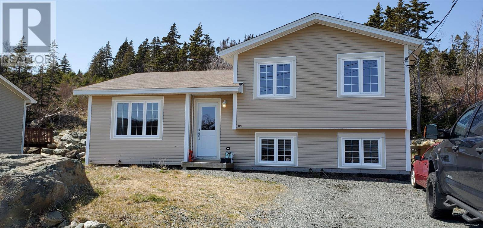 House for sale at 915 Pouch Cove Line Pouch Cove Newfoundland - MLS: 1211571
