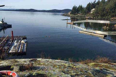 Home for sale at 9153 Sunshine Coast Hy Halfmoon Bay British Columbia - MLS: R2348342