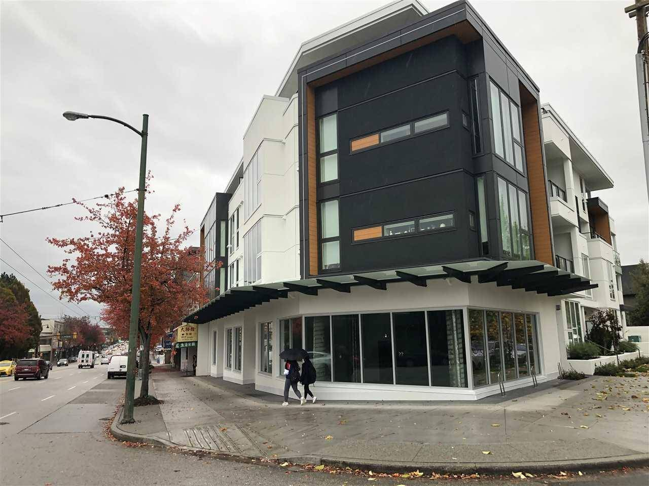 Commercial property for sale at 916 Kingsway  Vancouver British Columbia - MLS: C8028400
