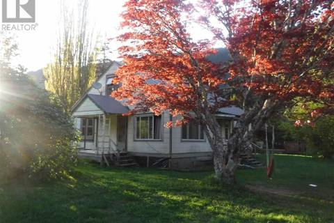 House for sale at 916 Grant Rd N Bella Coola British Columbia - MLS: R2237373