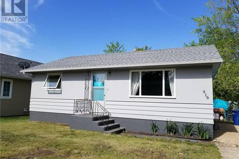 House for sale at 916 Pacific St Grenfell Saskatchewan - MLS: SK774229