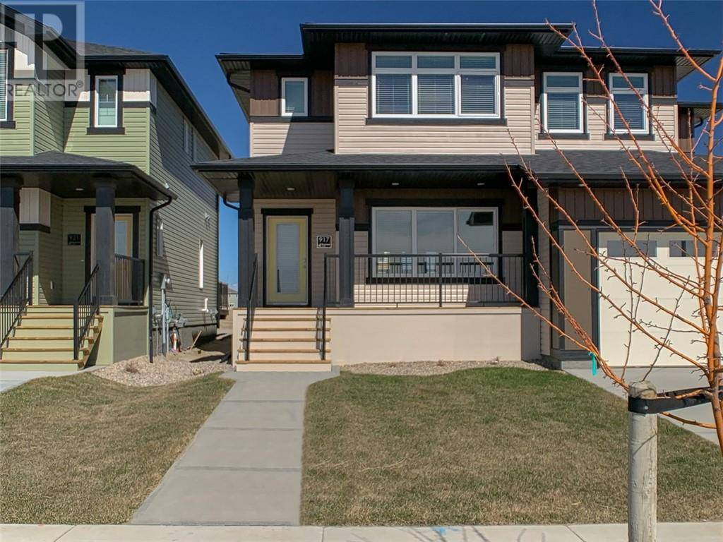 Townhouse for sale at 917 Miners Blvd W Lethbridge Alberta - MLS: ld0186732