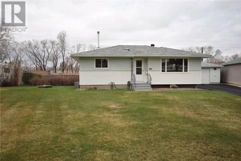 House for sale at 917 X Ave N Saskatoon Saskatchewan - MLS: SK770471