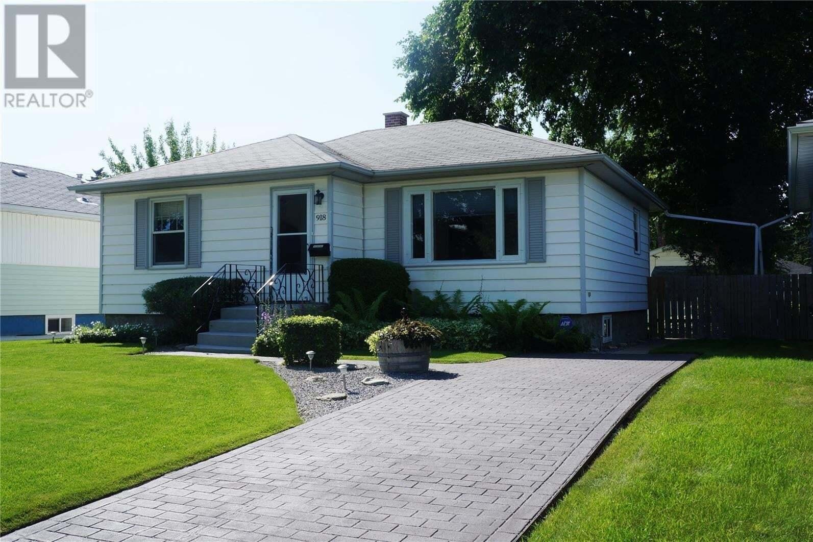 House for sale at 918 2nd St E Saskatoon Saskatchewan - MLS: SK818480