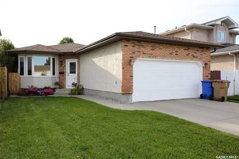 House for sale at 918 Bercovich Cres Regina Saskatchewan - MLS: SK787492