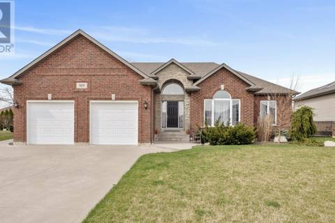 House for sale at 919 Westwood Dr Lakeshore Ontario - MLS: 19019013