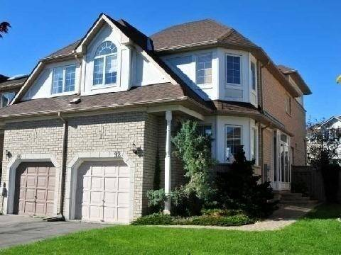 Townhouse for rent at 92 Bridlepath St Richmond Hill Ontario - MLS: N4535293