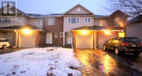 Townhouse for rent at 92 Cedarock Dr Ottawa Ontario - MLS: 1178963