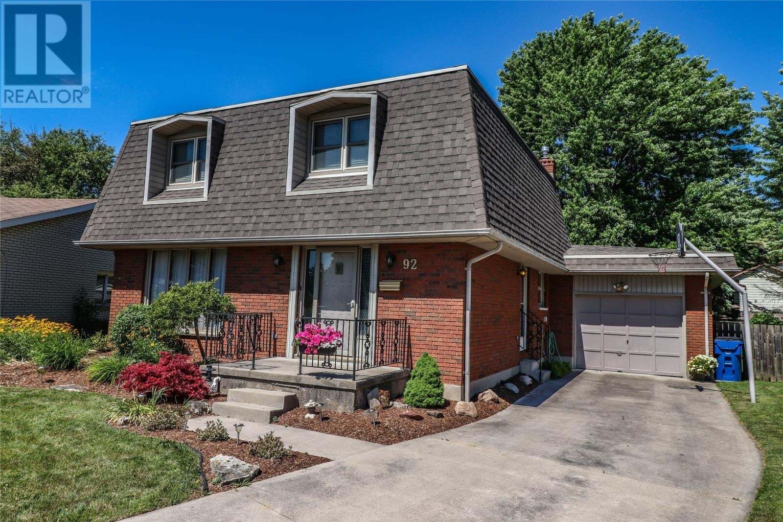 House for sale at 92 Collegiate Dr Chatham Ontario - MLS: 20008144