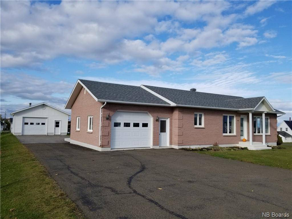 House for sale at 92 Cormier  Petit-rocher New Brunswick - MLS: NB035335