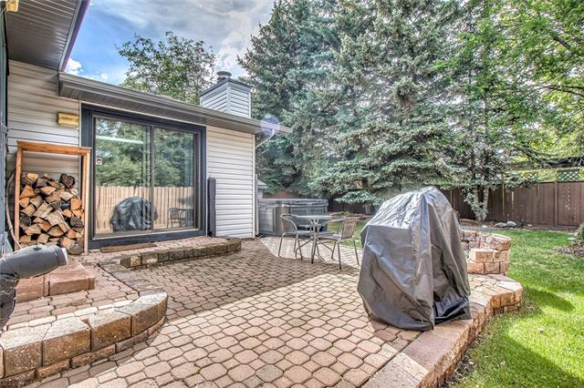 For Sale: 92 Deermeade Road Southeast, Calgary, AB | 4 Bed, 3 Bath House for $519,900. See 50 photos!