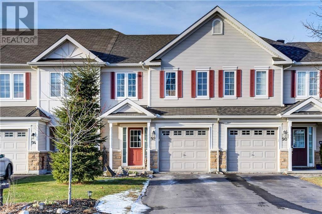Townhouse for sale at 92 Hawktree Rdge Ottawa Ontario - MLS: 1176879