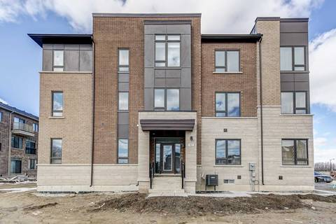Townhouse for rent at 92 Hilts Dr Richmond Hill Ontario - MLS: N4387723