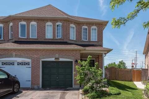 Townhouse for sale at 92 Native Landing  Brampton Ontario - MLS: W4781519