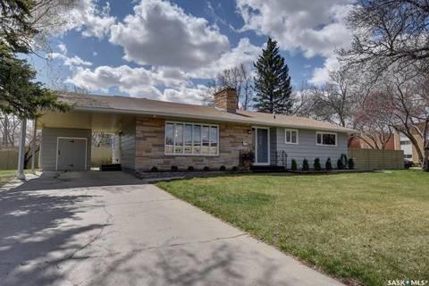 House for sale at 92 Procter Pl Regina Saskatchewan - MLS: SK771440