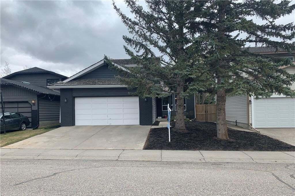 House for sale at 92 Woodglen Wy SW Woodbine, Calgary Alberta - MLS: C4282188
