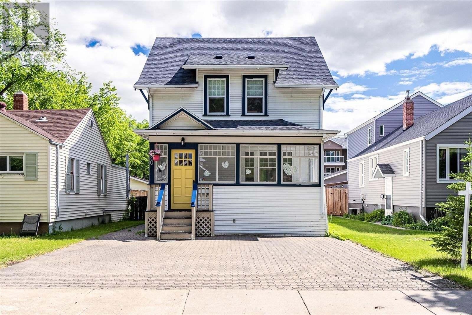 House for sale at 920 10th St E Saskatoon Saskatchewan - MLS: SK828880