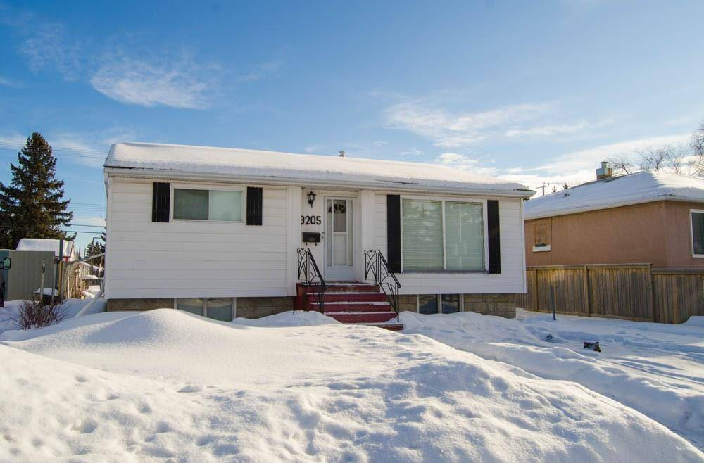 House for sale at 9205 154 St Nw Edmonton Alberta - MLS: E4186373