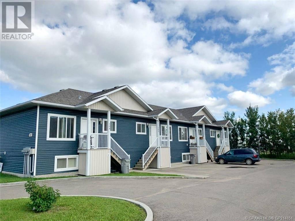 Townhouse for sale at 9205 93 Ave Grande Prairie Alberta - MLS: GP214851