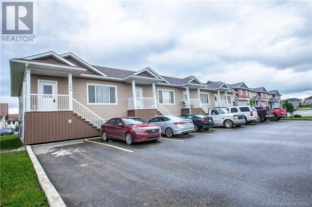 Townhouse for sale at 9206 93 Ave Grande Prairie Alberta - MLS: GP214852