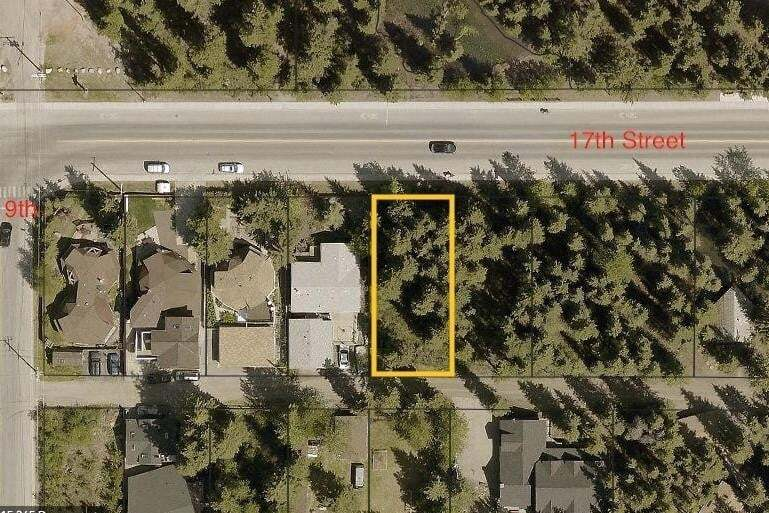 921 17th Street, Lions Park, Canmore | Image 1
