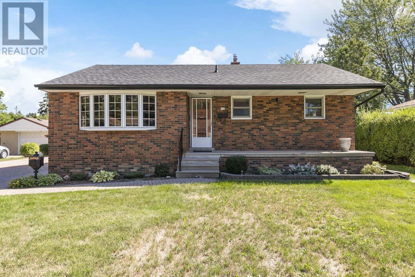 House for sale at 921 Scofield  Windsor Ontario - MLS: 20010279
