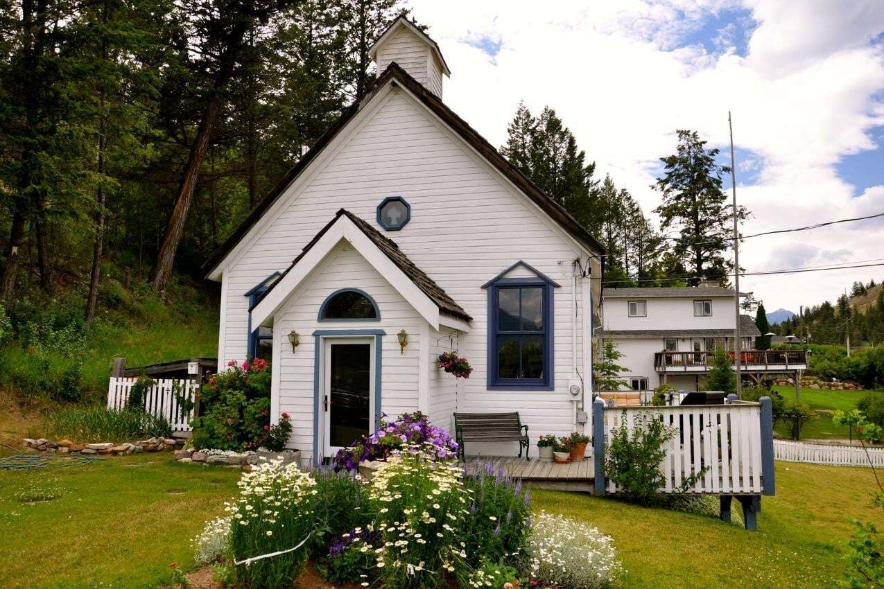 House for sale at 9211 West Avenue  Invermere British Columbia - MLS: 2452320