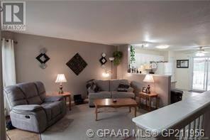 9214 115 Avenue, Grande Prairie | Image 2