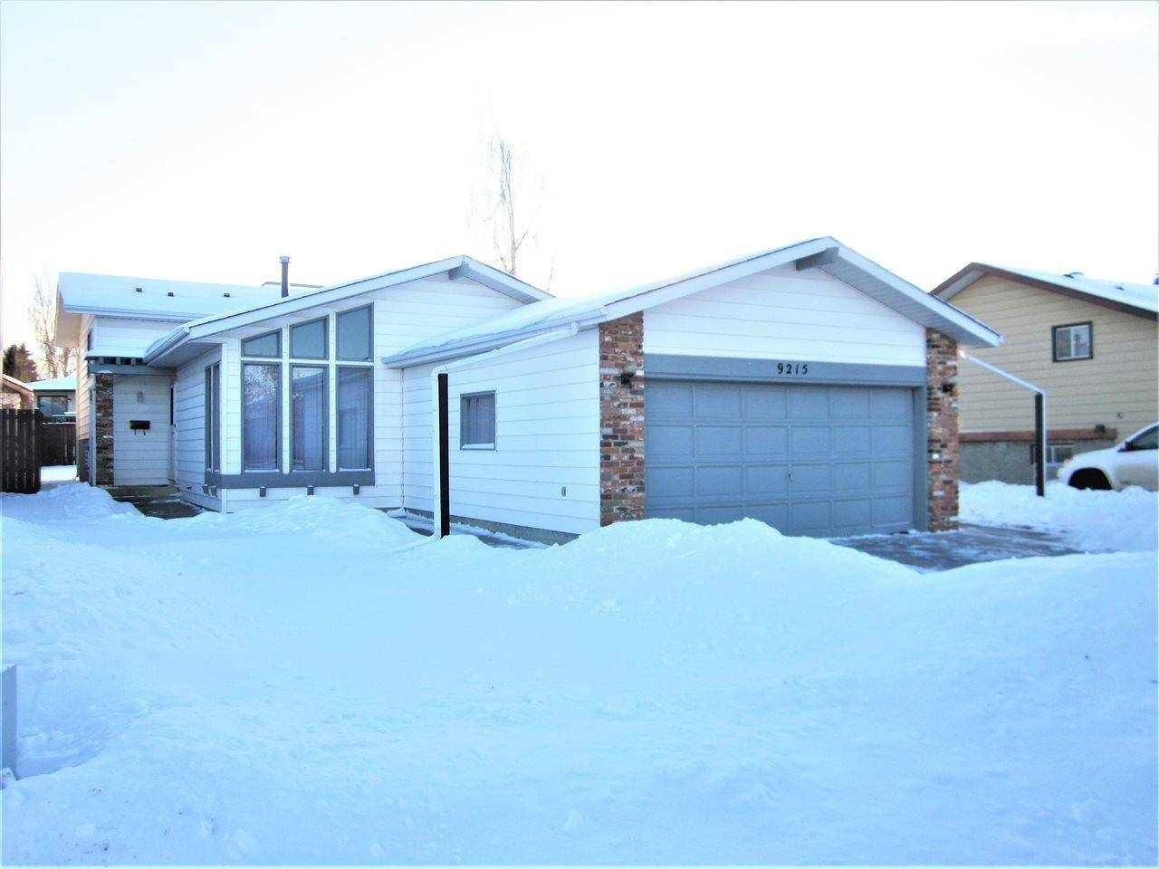 House for sale at 9215 171 Ave Nw Edmonton Alberta - MLS: E4185018