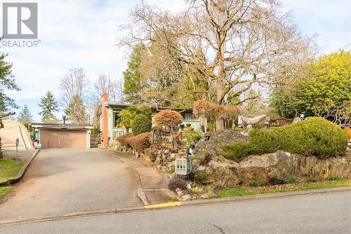 Removed: 922 Parklands Drive, Victoria, BC - Removed on 2018-03-28 22:11:52