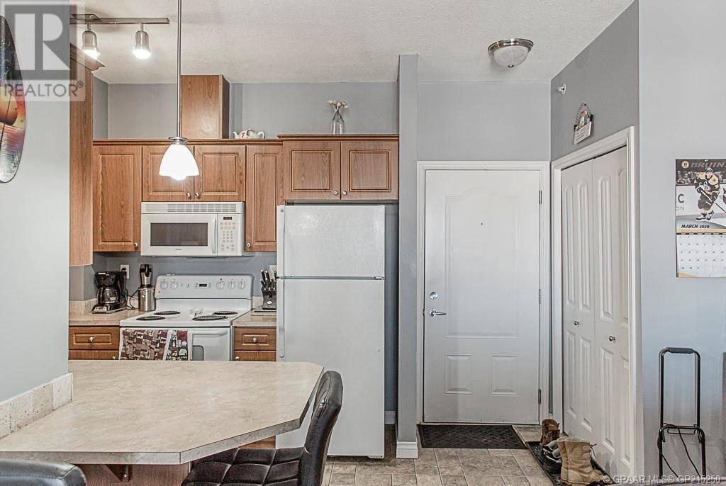 Condo for sale at 9225 Lakeland Edge Grande Prairie Alberta - MLS: GP215250