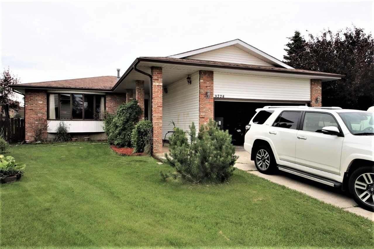 House for sale at 9228 172 Av NW Edmonton Alberta - MLS: E4207699