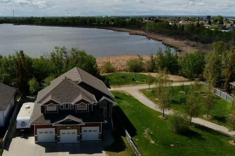 House for sale at 9229 Lakeshore Dr Grande Prairie Alberta - MLS: A1001451