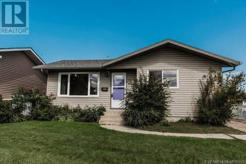 House for sale at 9234 109 Ave Grande Prairie Alberta - MLS: GP207657