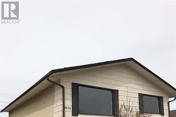 House for sale at 9236 110 Ave Grande Prairie Alberta - MLS: GP214560