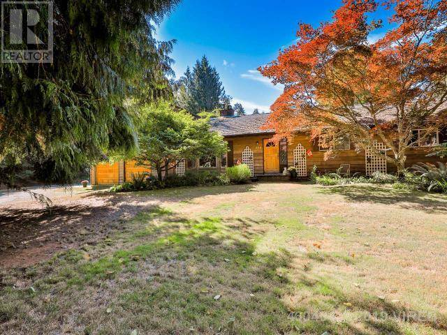House for sale at 924 Fern E Rd Qualicum Beach British Columbia - MLS: 460404
