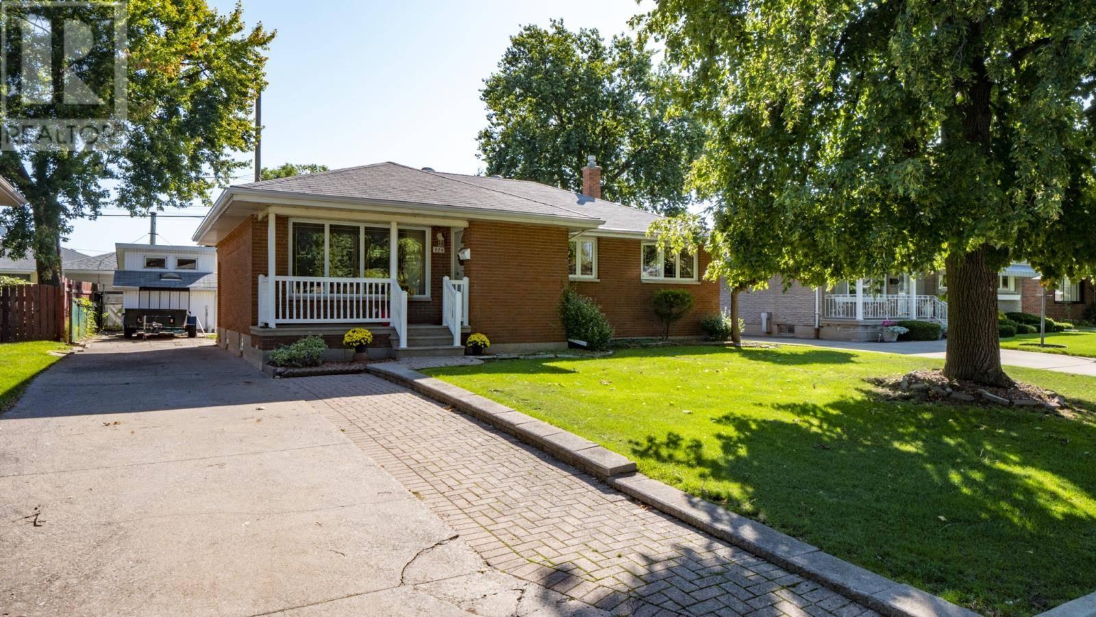 House for sale at 924 Greendale  Windsor Ontario - MLS: 19024975