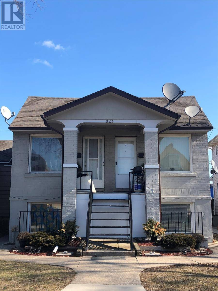 Townhouse for sale at 924 Windsor  Windsor Ontario - MLS: 20002152