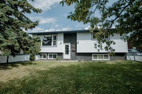 House for sale at 9240 112a Ave Grande Prairie Alberta - MLS: A1019129