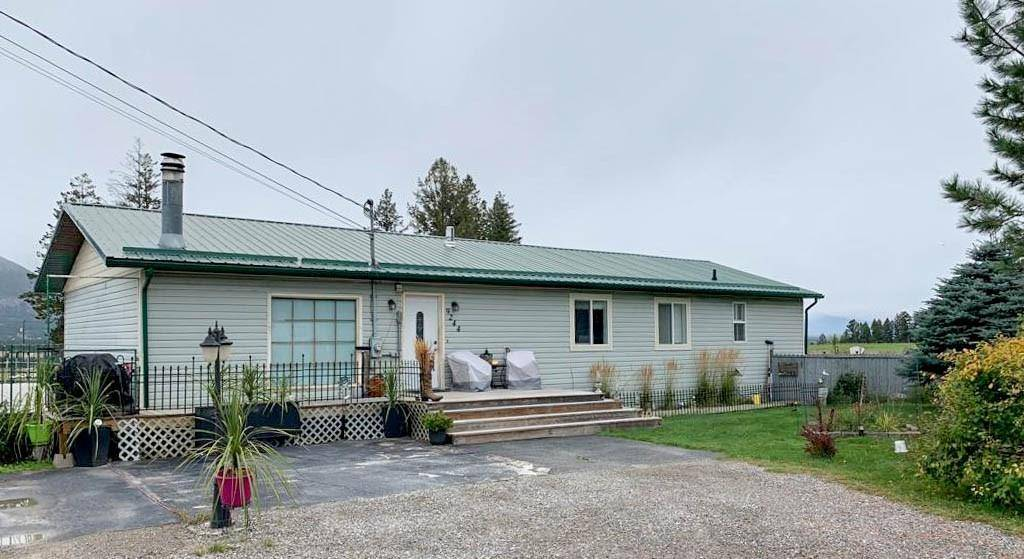 House for sale at 9244 Toby Hill Rd Wilmer British Columbia - MLS: 2441864