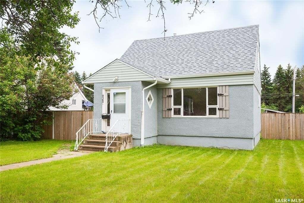 House for sale at 925 4th St Prince Albert Saskatchewan - MLS: SK814934
