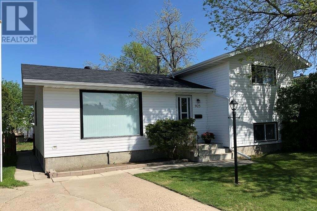House for sale at 925 5 St Southeast Redcliff Alberta - MLS: A1002162