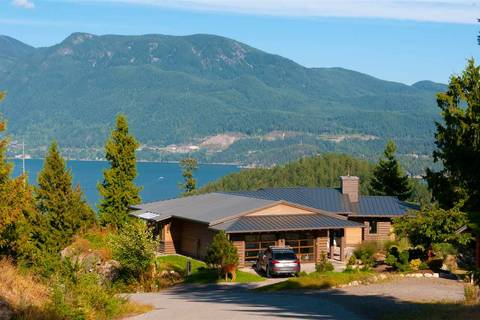 House for sale at 925 Elrond Ct Bowen Island British Columbia - MLS: R2325755