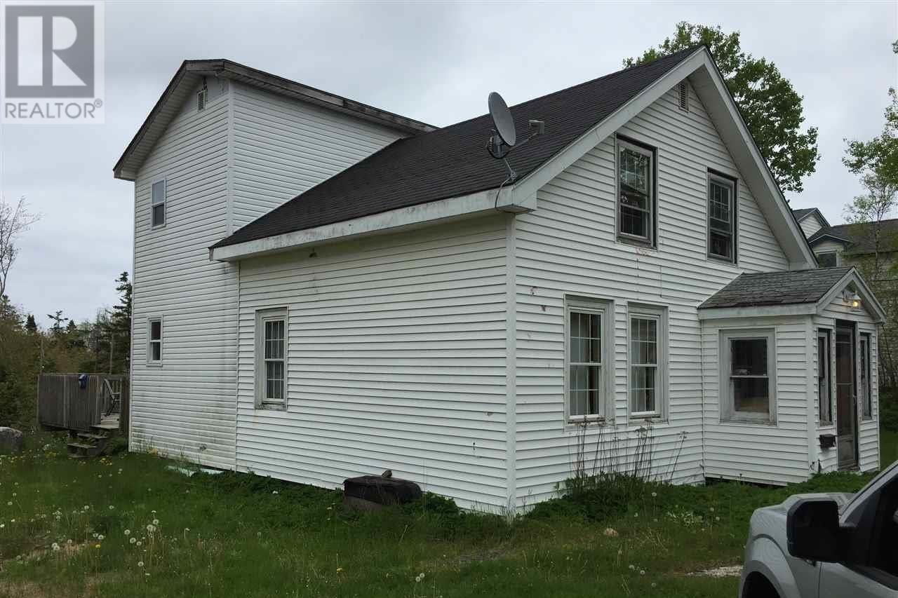 House for sale at 926 Herring Cove Rd Herring Cove Nova Scotia - MLS: 202020952
