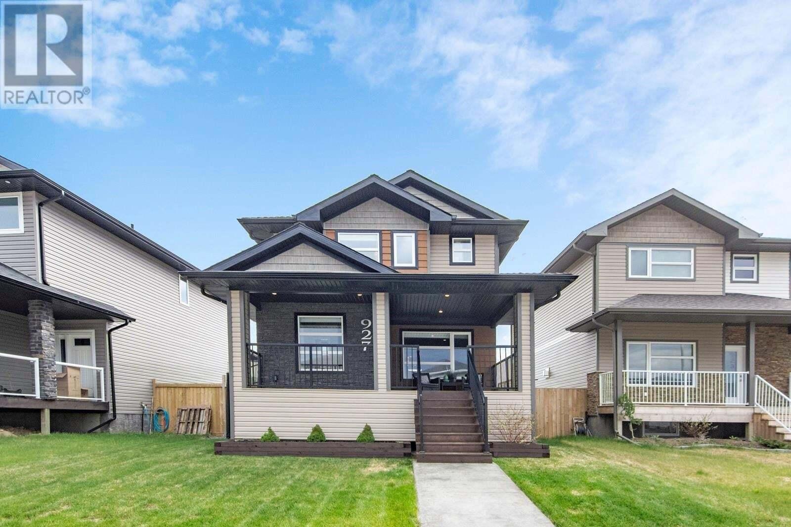 House for sale at 927 Kloppenburg Cres Saskatoon Saskatchewan - MLS: SK809894
