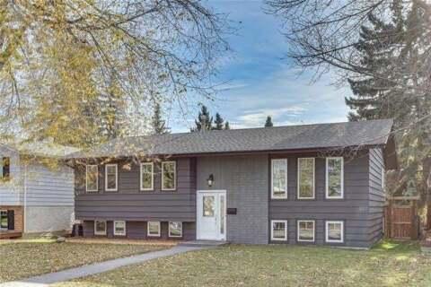 House for sale at 927 Lake Christina Wy Southeast Calgary Alberta - MLS: C4299232