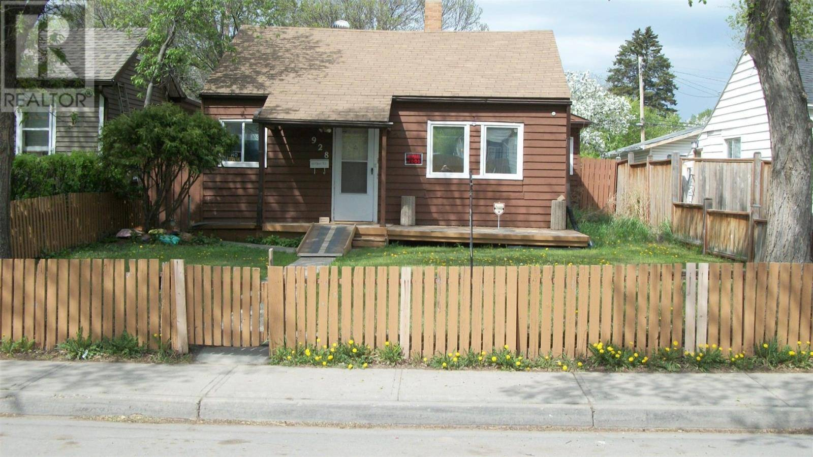 928 Athol Street, Regina — For Sale @ $149,900