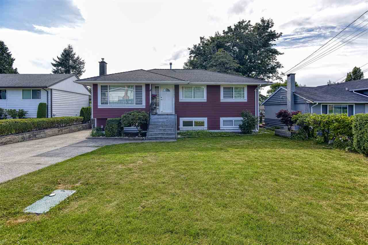 For Sale: 9291 114a Street, Delta, BC | 5 Bed, 2 Bath House for $968000.